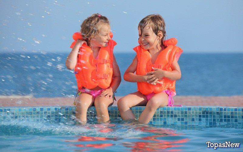 Водный аттракцион для семьи: советы при покупке