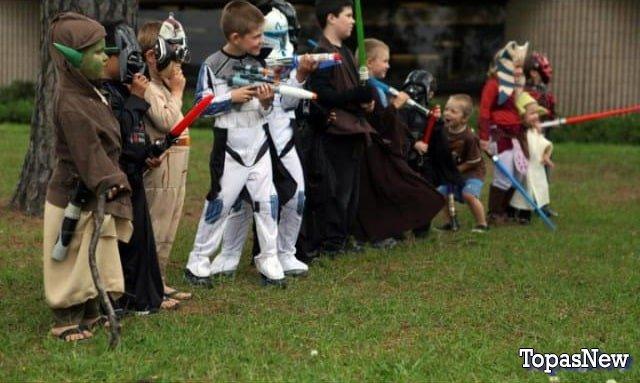 Дети в костюмах из Звёздных войн - картинка
